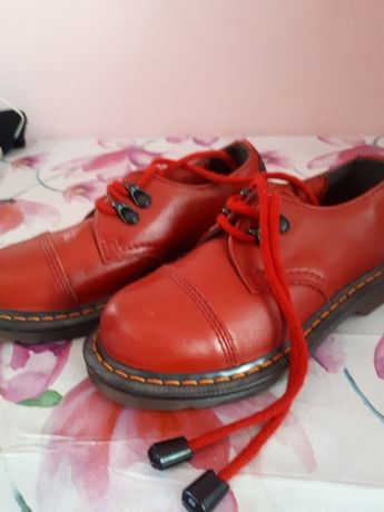 Sprzedam buty chłopięce 32