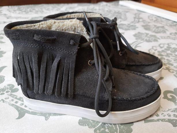 Ботинки угги Италия 35 размер состояние новых