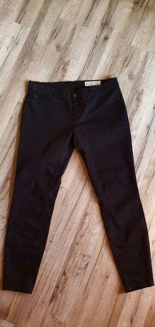 Czarne spodnie skinny fit Esmara