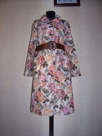 Пальто осеннее, весеннее, женское.