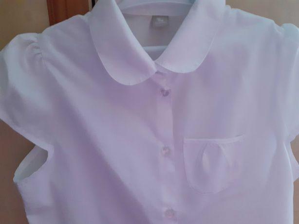 Biała bluzka około 11 lat