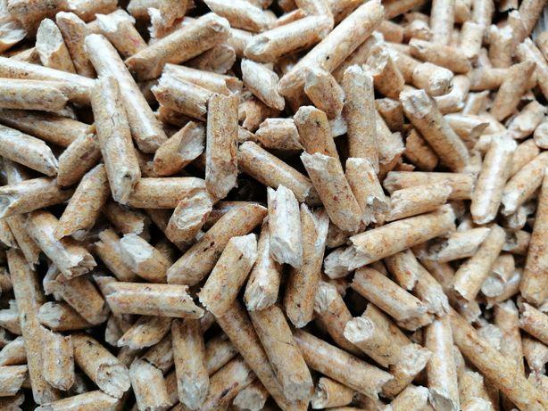 Pellet Sosnowy 100 % czysty 6mm worki 15 kg