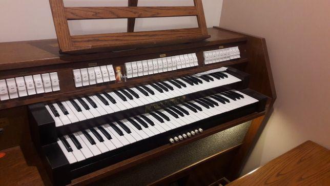 Johannus OPUS 6 organy  kościelne analogowe.