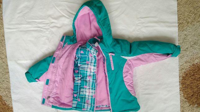 Продам зимнюю куртку 3 в 1 на девочку