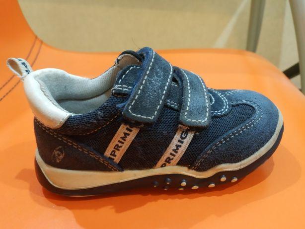 Продам кроссовки 23 размер primigi