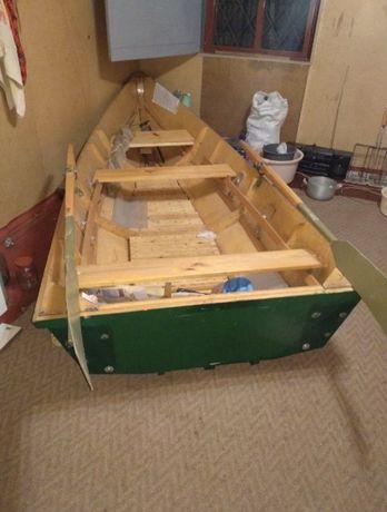 Лодка и прицеп