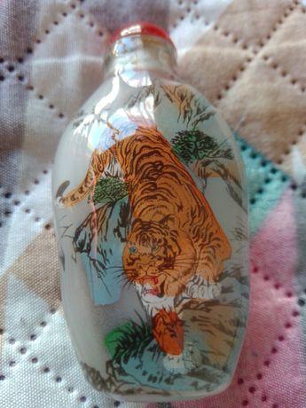 Snuff Bottles em Vidro com Tigres na Montanha - Raro