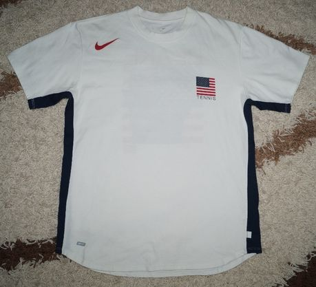 Продам футболочку Nike Tennis USA, размер M