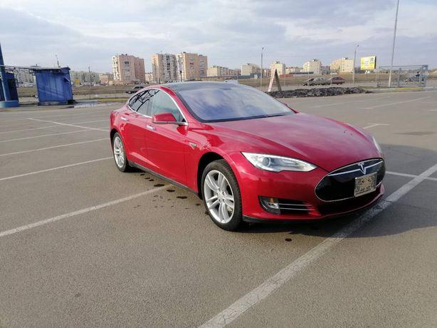 Tesla model s 85 СРОЧНО!!!