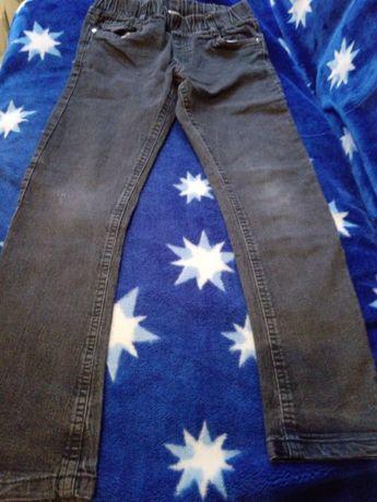 Spodnie chłopięce r. 140-146, również ocieplane