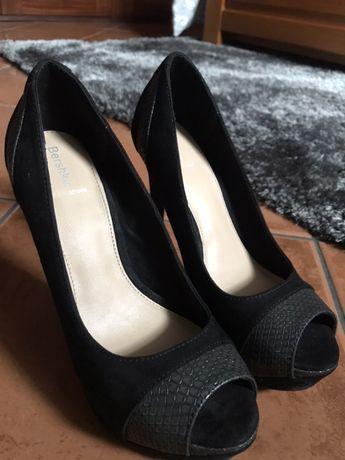 Sapato salto compensado preto