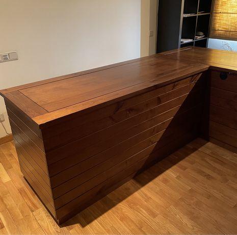 Secretaria madeira macissa