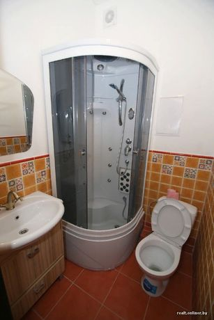 сдам в общежитии койко-места в 4 х местную комнату .святошинский район