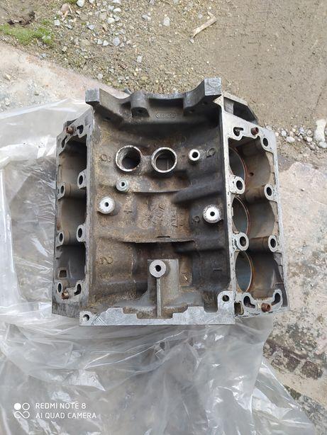 Продам блок циліндрів 2.0 Rover 75