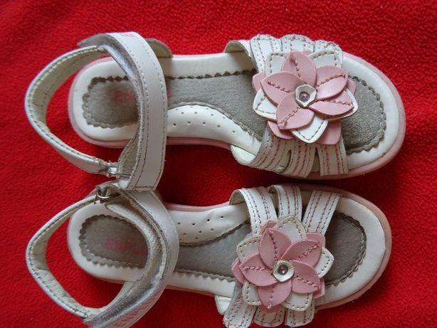 Sandałki  dla dziewczynki biało różowe na rzepy rozm. 31