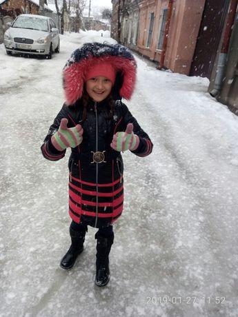 Продам зимнее пальто для девочки+короткая зимняя курточка в подарок