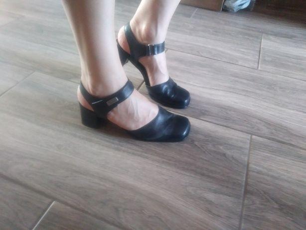 Buty skórzane sandałki  38