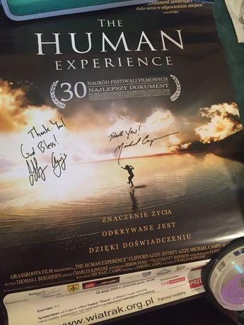 Plakat The Human Experience z autografami