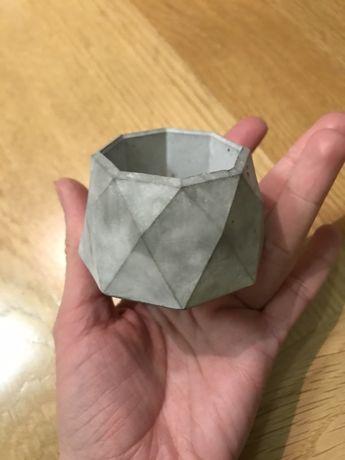Кашпо вазон маленький из бетона