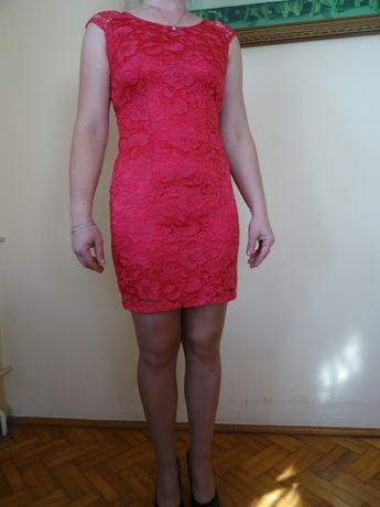 Piękna sukienka malinowa z koronki! Tanio !