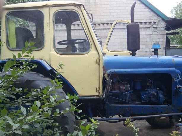 Продам трактор ЮМЗ 6 акл