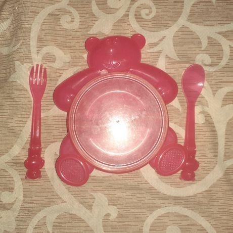 Посудка для малыша (Тарелочка с крышкой + вилка и ложка) б/у