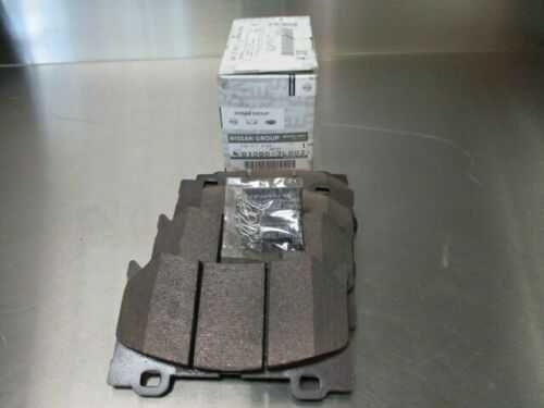 Передние тормозные колодки  Infinity FX35, FX50, G35, G37