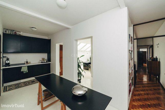Apartamento T3 na Rua do Breiner - excelente investimento para habitaç