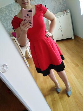 Sukienka S krotki rękaw