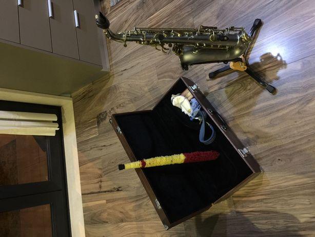 Saxofone Toptone completo e pronto a usar! Revisão recente.