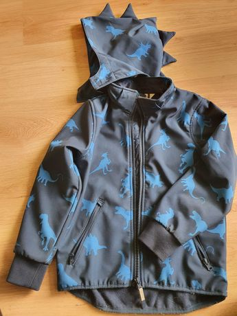 Продам б/у куртку на мальчика