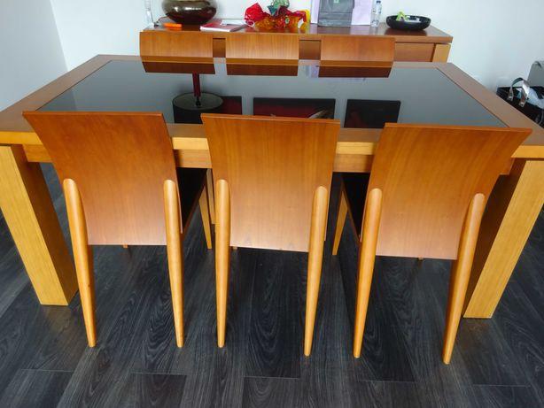 Mesa e 6 Cadeiras Sala de Jantar. Madeira+Vidro Negro+Pele