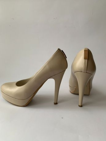 Туфли женские бежевые кожаные р.36 б/у, в отличном состоянии