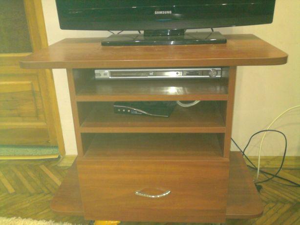 Тумбочка під телевізор з поличками та шуфлядою