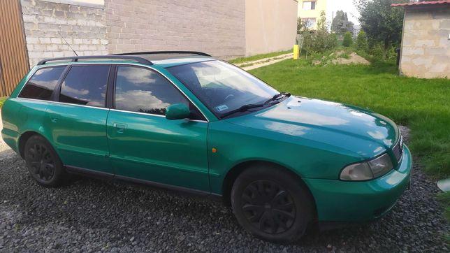 Audi A4 AVANT 2,6 l z gazem