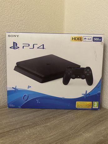 Продам PS4 Slim. 500GB. +игры в подарок.