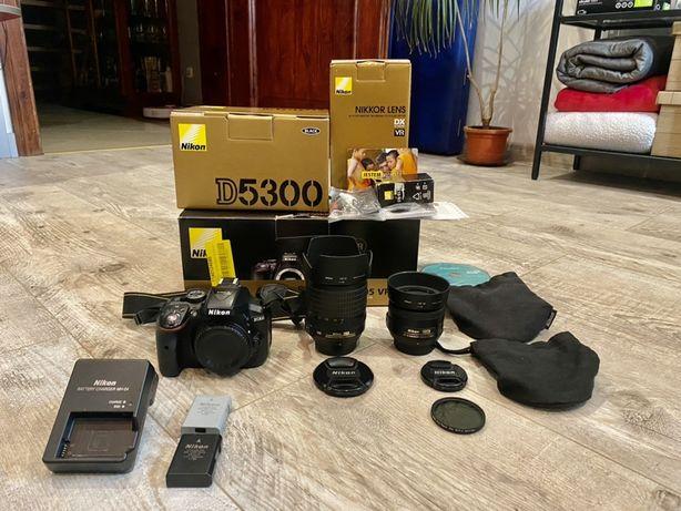 Nikon D5300 WiFi GPS AS-F 18-105 + AS-F 35mm + dodatki