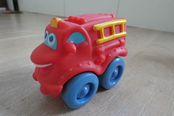 Samochodzik dla najmłodszych - wóz strażacki firmy Tonka