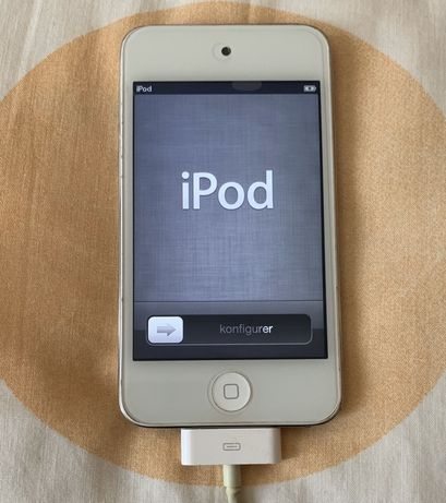 Ipod 4 - 8Gb (avariado no touch)