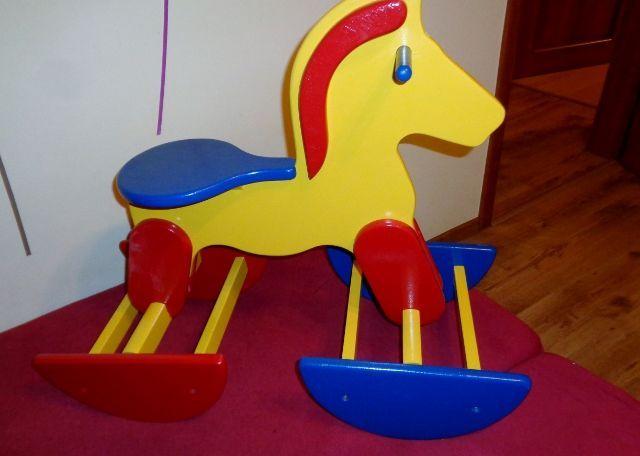 Konik na biegunach, koń drewniany