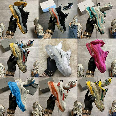 Женские кроссовки Balenciaga Triple S Track Speed разные цвета.