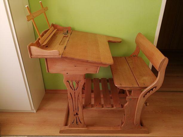 Piękne stare drewniane odrestaurowane biurko