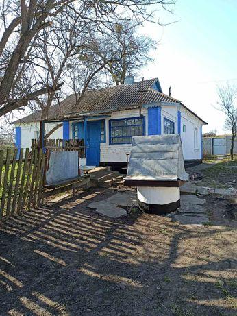 Продам будинок в селі Коржівка.