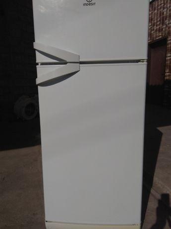 Холодильник б/у Индезит недорого в отличном состоянии