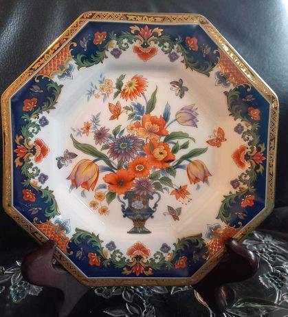 """Восьмигранна  тарілка. Тарелка """" Ваза с цветами""""   Японія."""