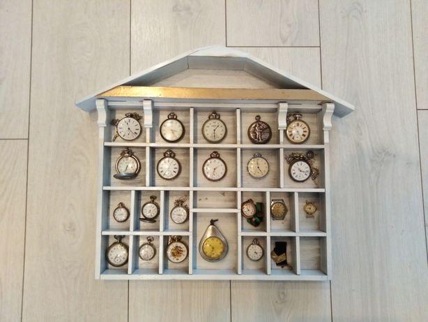 Półka półeczka drewniana zegarki drobiazgi