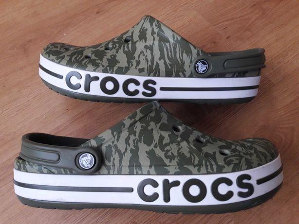 Crocs M 10   W 12  (44p)