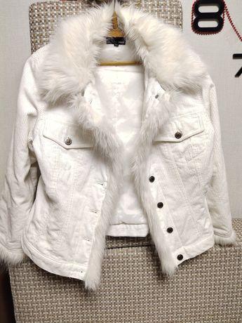 Эффектная белая куртка с мехом. Бренд H&M