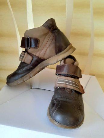 Ботинки кожаные детские, осенние 29 р. по стельке 19 см. туфли, обувь.