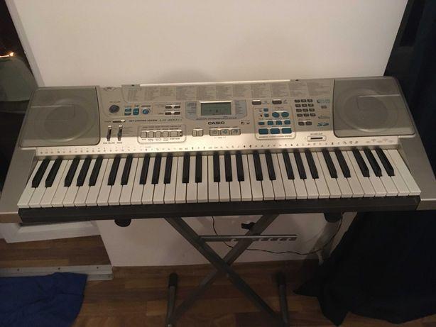 CASIO LK-300TV Keyboard do nauki, statyw, zasilacz i pokrowiec gratis